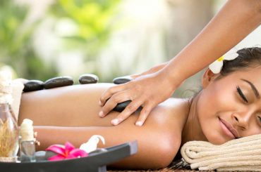 Thai-Hot-Stone Massage